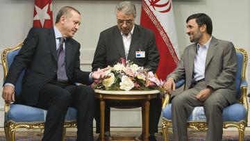 Премьер-министр Турции Т. Эрдоган на встрече с М. Ахмединежадом