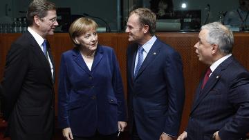 Президент и премьер-министр Польши Лех Качински и Дональд Туск на саммите ЕС