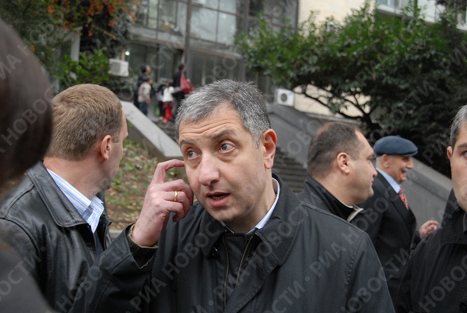 Бывший премьер-министр Грузии, лидер политического движения «За справедливую Грузию» Зураб Ногаидели на митинге в Тбилиси
