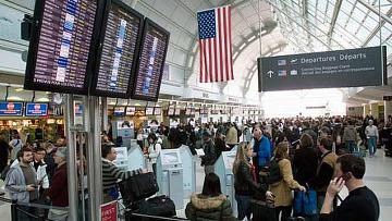 Аэропорт в Торонто, задержка рейсов
