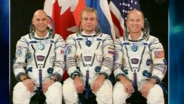 космонавты 3 экипажей на мкс