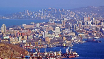 Теплые воспоминания о Владивостоке.  Город-порт, солнце, цветы, море.