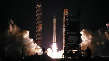 """Пуск ракеты-носителя """"Протон-М"""" со спутниками серии """"Экспресс"""""""
