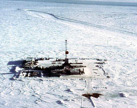 нефтяная вышка в арктике
