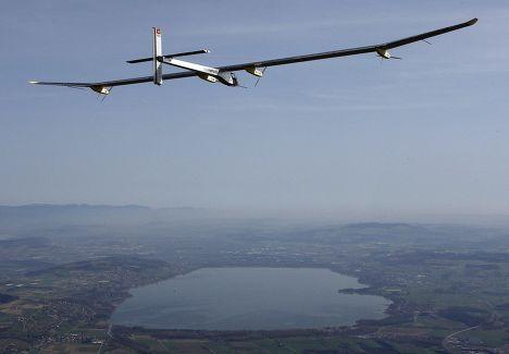 Первый длительный полет самолета на солнечных батареях Solar Impulse HB-SIA