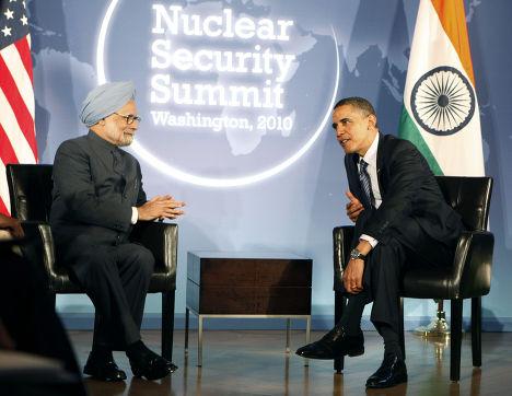 Президент США Барак Обама на переговорах с премьер-министром Индии Манмоханом Сингхом