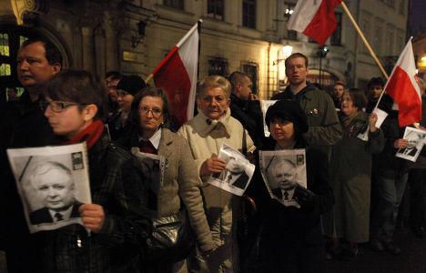 В Польше усиливаются протесты по поводу похорон президента