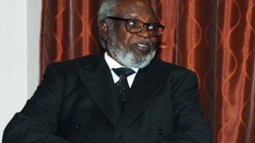 СЭМ НУЙОМА, бывший Президент Намибии