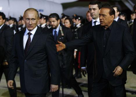 Сильвио Берлускони встретил Владимира Путина в аэропорту Милана