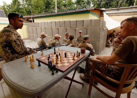 убить время в афганистане досуг афганских солдат