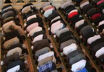 Празднование мусульманского праздника Ураза-Байрам в Чечне