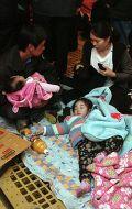 жители острова Йонпхёндо скрываются от обстрела со стороны КНДР в бункере
