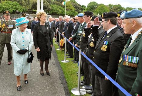 Елизавета II также встретилась с ветеранами