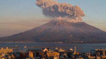 Вулкан Сакурадзима расположен на острове Кюсю в японской префектуре Кагосима