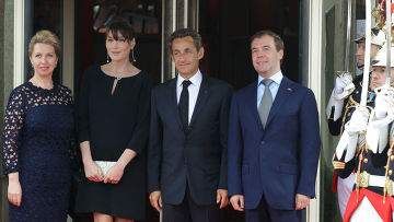 """Д. Медведев на саммите """"Большой восьмерки"""" в Довиле"""