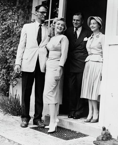 Артур Миллер с супругой Мэрилин Монро и Лоуренс Оливье с супругой Вивьен Ли