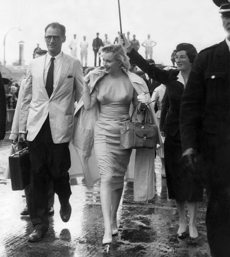 В 1961 году Артур Миллер и Мэрилин Монро развелись