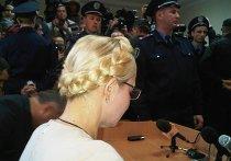 Юлия Тимошенко во время оглашения приговора 11.10.2011