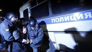 Задержание участников митинга на Триумфальной площади в Москве