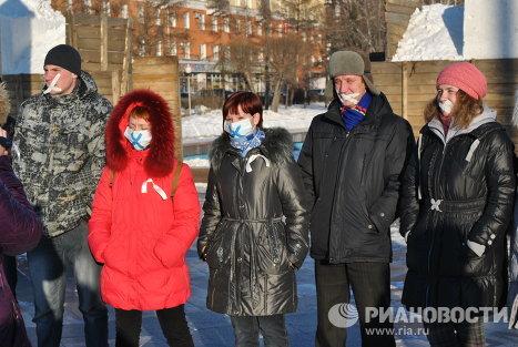 """Участники акции """"У меня украли голос"""" в Барнауле"""