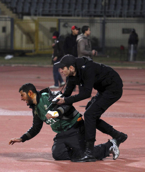 Потасовка футбольных фанатов в Египте