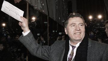 Владимир Жириновский голосует на выборах