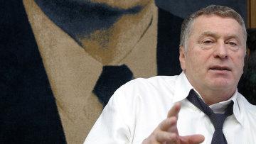 В.Жириновский в рабочем кабинете в Госдуме