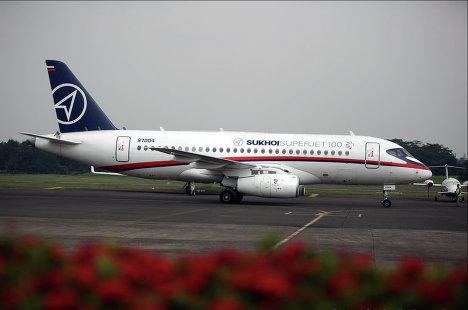 Самолет Superjet-100