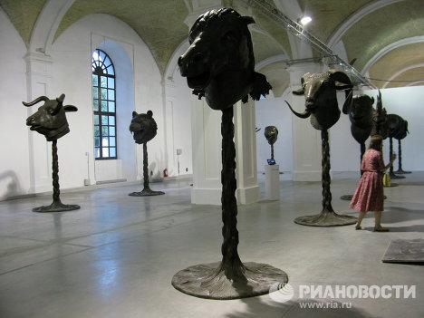 Инсталляция китайского художника Ай Вэйвэя «Круг Животных/Головы зодиака»