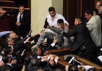 Драка в Верховной Раде в Киеве