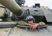 Танк на улицах Москвы в дни путча 19 августа 1991 г.