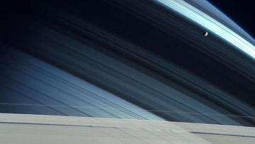 Внутри спутника Сатурна — океан?