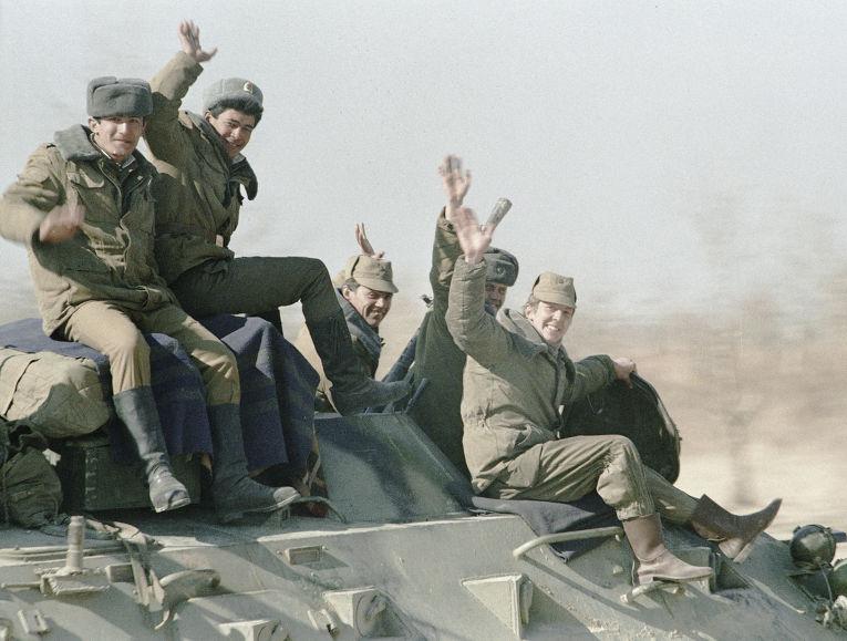 Советские войска покидают Кабул