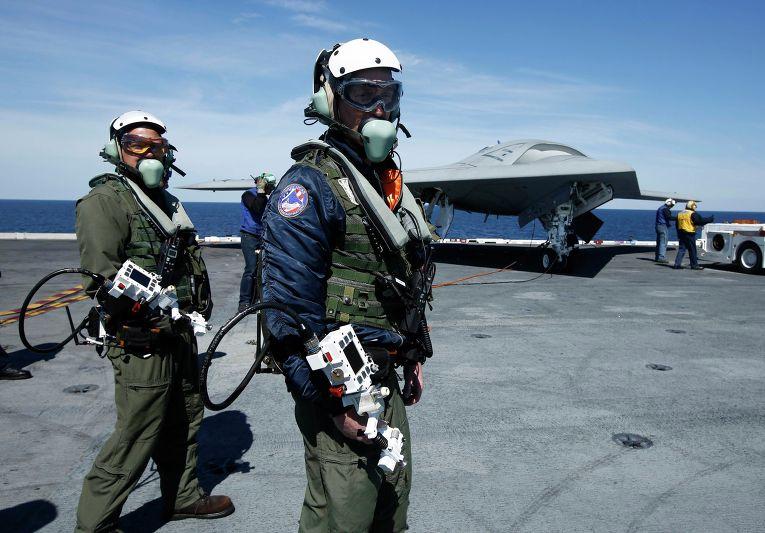 """Запуск американского беспилотника X-47B с авианосца """"Джордж Буш"""""""
