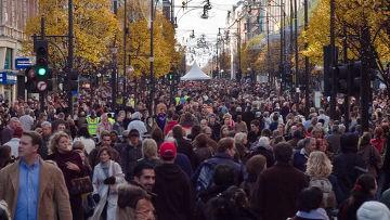 Толпы на улицах Лондона