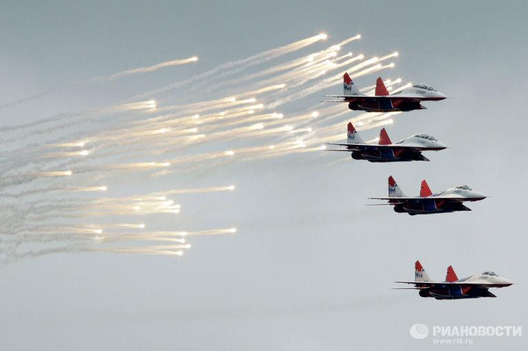 Истребители Миг-29 пилотажной группы «Стрижи»