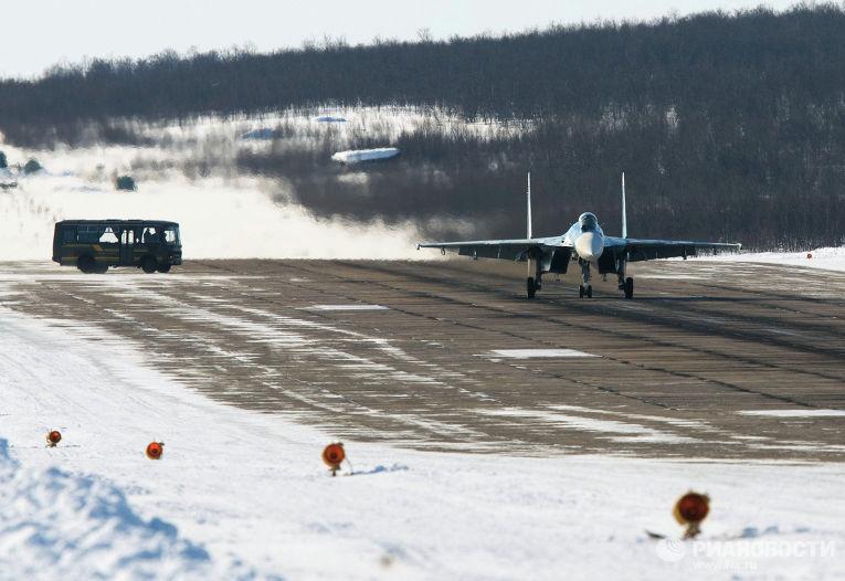 Палубный истребитель Су-33 279