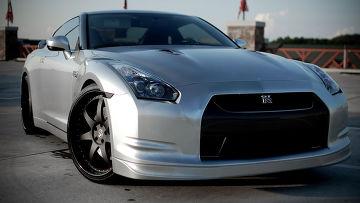 Автомобиль Nissan GT-R
