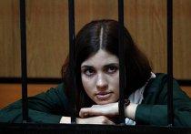 Участница панк-группы Pussy Riot Надежда Толоконникова в Зубово-Полянском районном суде Мордовии