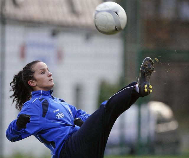 Нетрадиционные отношения в женском футболе Спорт ИноСМИ Все  Немецкая футболистка Лира Байрамай