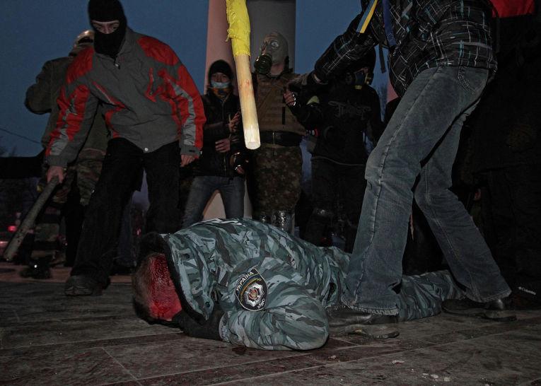 Противостояние между оппозицией и правоохранительными органами в Киеве