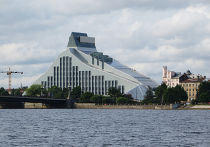 Здание Латвийской Национальной Библиотеки в Риге
