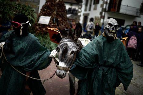 Карнавал в деревнях Зубиета и Итурен в Испании