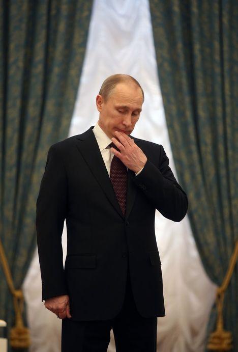 Владимир Путин на церемонии подписания закона о вступлении Крыма в состав России