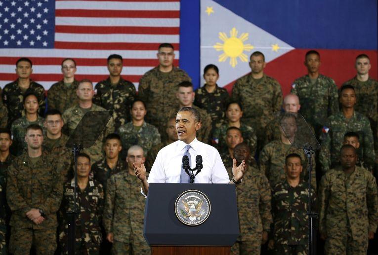Барак Обама обращается к американским и филиппинским военным во время своего турне по азиатским странам