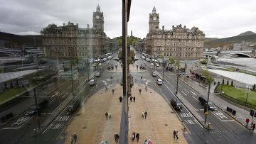 Улица Принсес-стрит в Эдинбурге