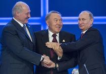Владимир Путин, Нурсултан Назарбаев и Александр Лукашенко после заседания Высшего Евразийского экономического совета