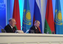 Владимир Путин и Нурсултан Назарбаев после заседания Высшего Евразийского экономического совета (ВЕЭС) в Астане