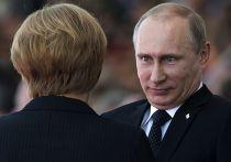 Владимир Путин разговаривает с Ангелой Меркель на праздновании годовщины высадки в Нормандии