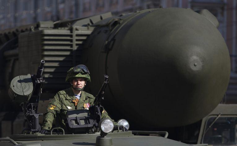 Межконтинентальная баллистическая ракета «Тополь-М» на репетиции парада в Москве